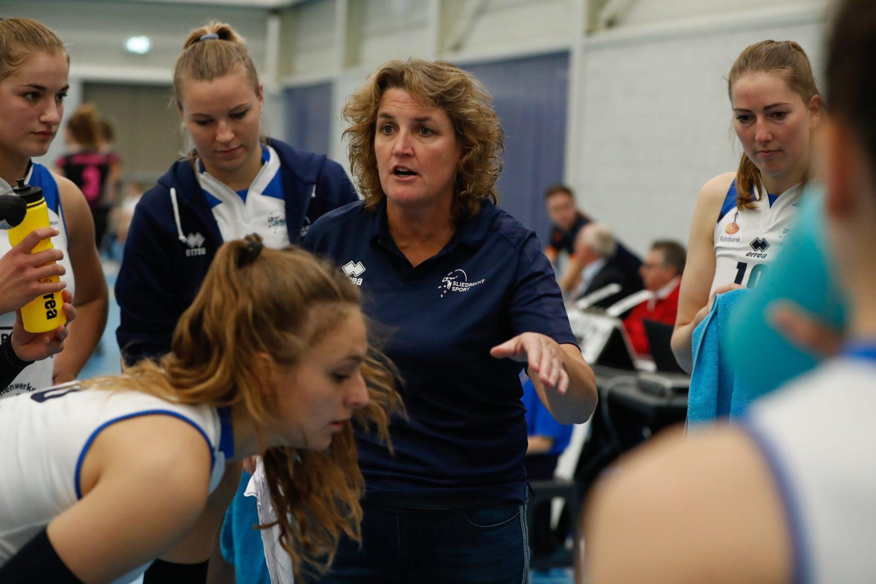 Vera Koenen ook in 2020-2021 coach Dames 1