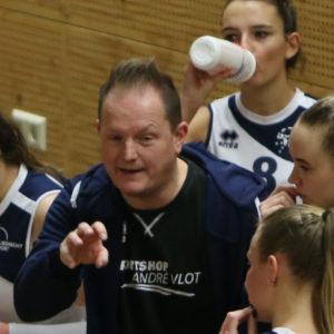 Elroy Bezemer nieuwe coach Dames 2