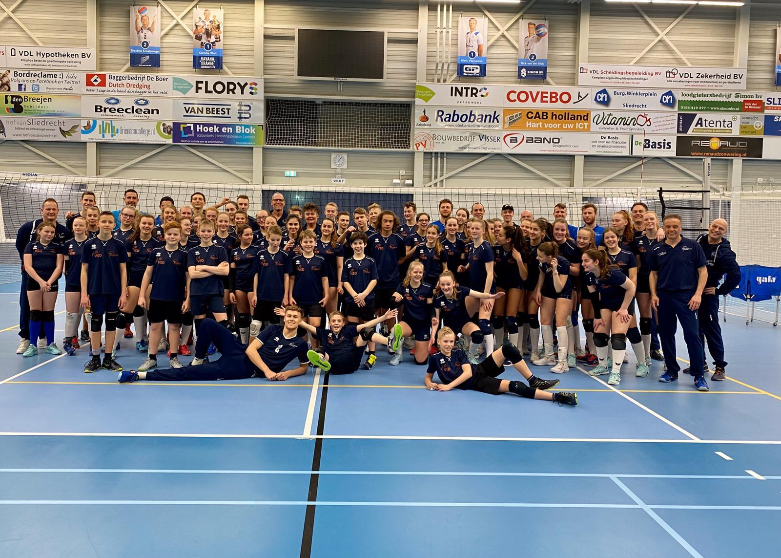 Heren 1 traint Volleybalschool Drechtsteden