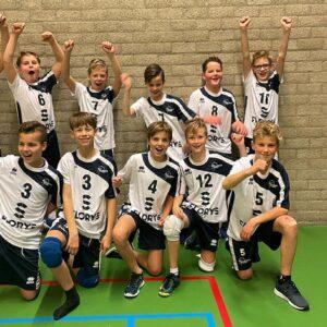Florys sponsort Jongens C1 en C3 met nieuw wedstrijdtenue