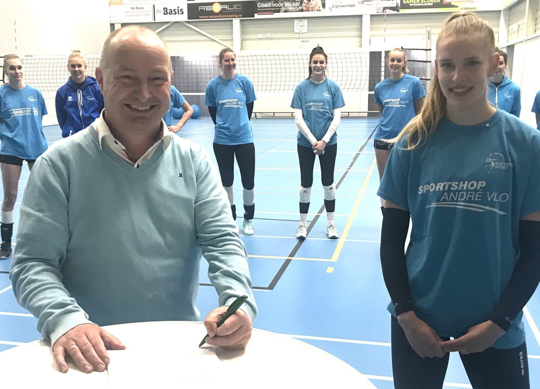 Baggerbedrijf de Boer en Sliedrecht Sport verlengen samenwerking